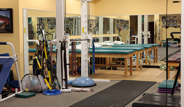 Alves and Martinez Physical Therapy and Athletic Performance